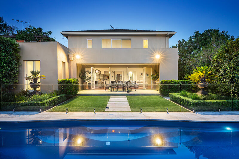Luxury Home With Pool | Luxury Home Builder Melbourne